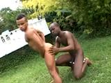 follando con mi novio en el jardin