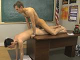 Follando en la clase de castigo