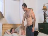 Jovencito pide a su tío que le azote