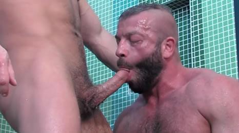 Dos auténticos machos gay follando