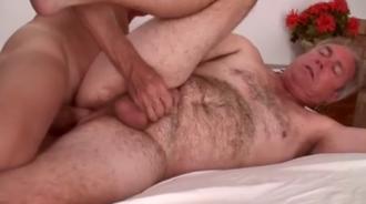 Viejos homosexuales follando en casa