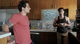 Chico hetero seducido por el Ex de su hermano