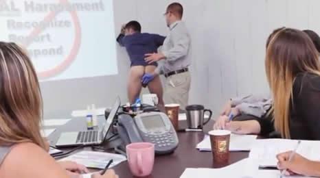 Así es como trabajan algunos funcionarios
