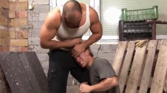 Obrero de la construcción se folla a su nuevo compañero de trabajo